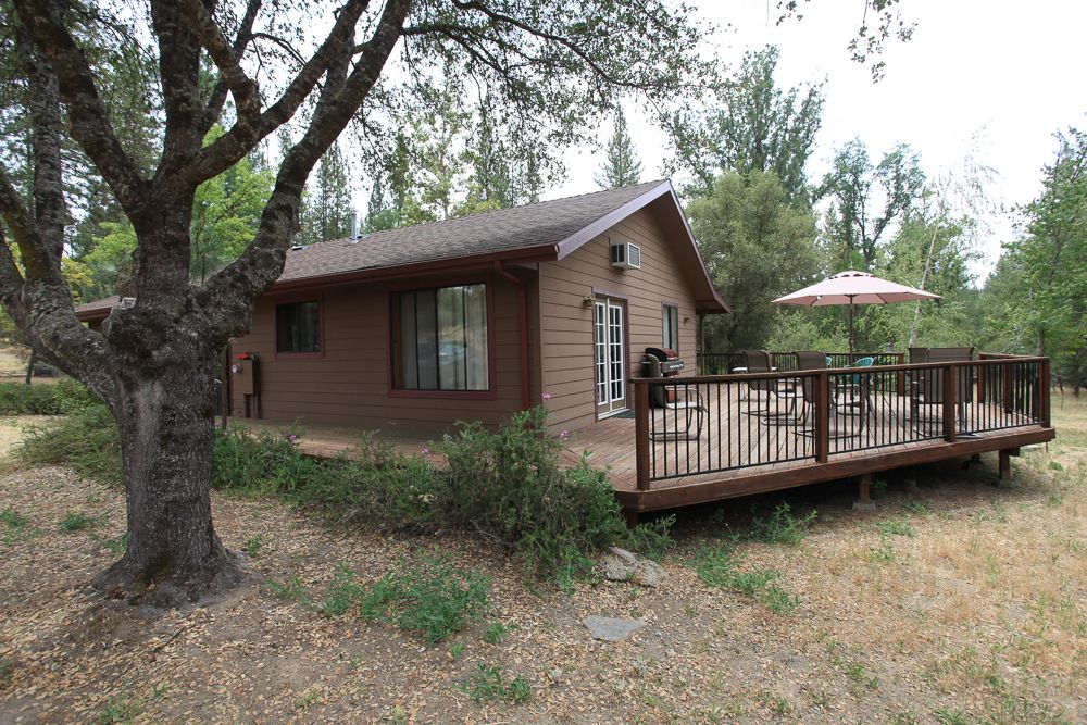 Pet friendly cabin in yosemite california for Cabins in yosemite valley
