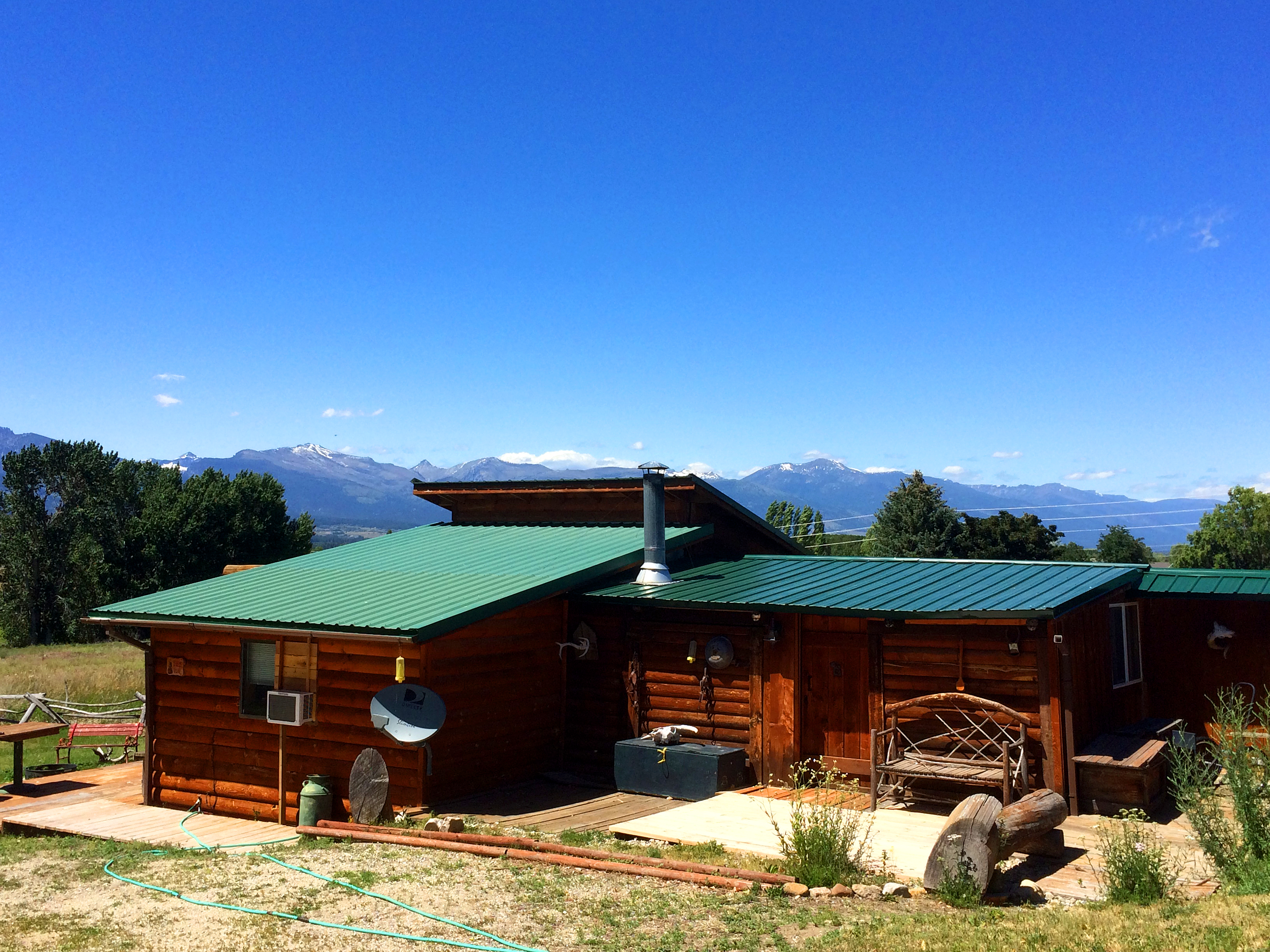 montana near affordable park rentals rocky aw cabin cabins amberwood html national vacation img mountain countrycabins