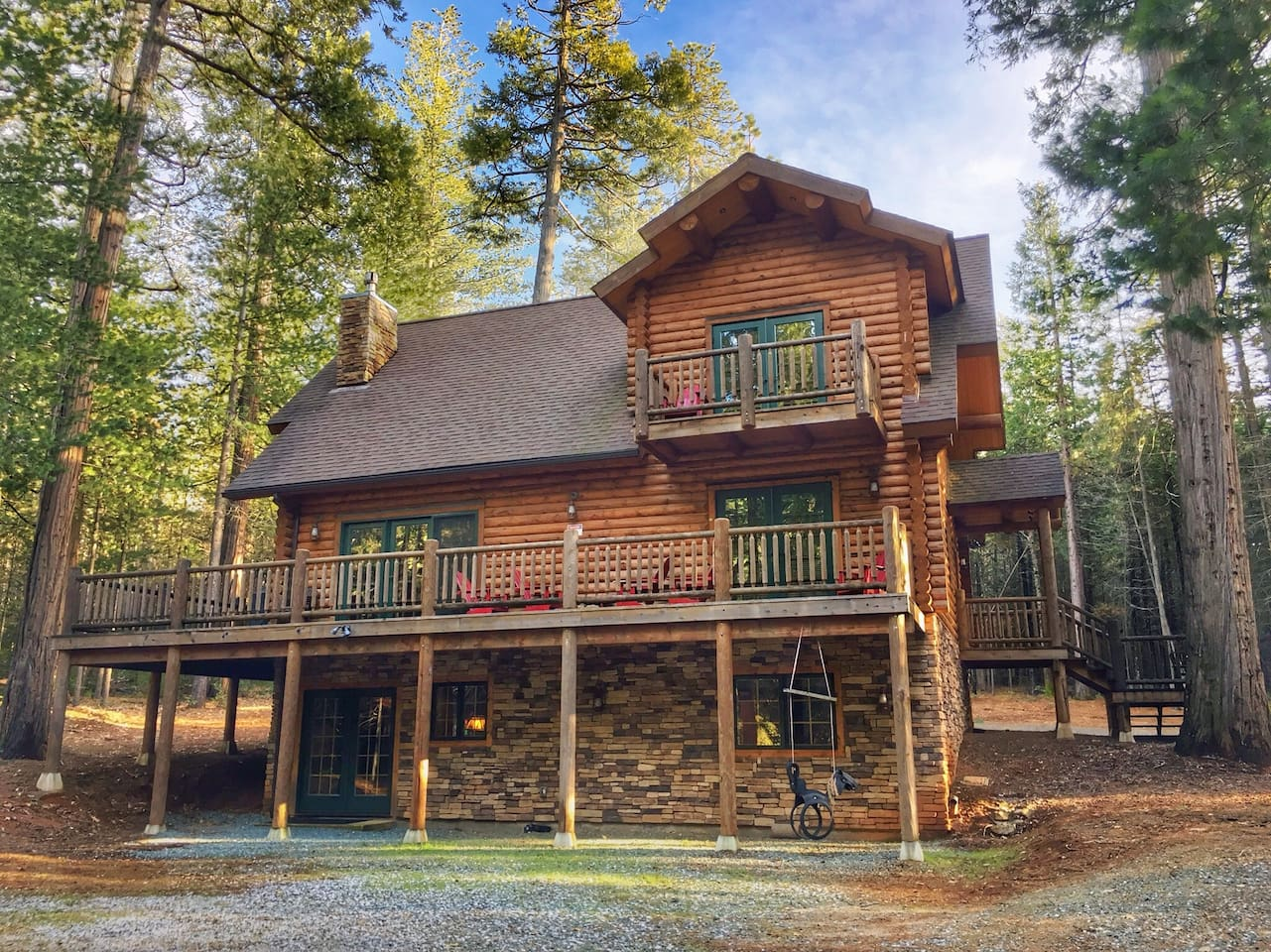 Cabin rental near sacramento for Log cabin home plans georgia