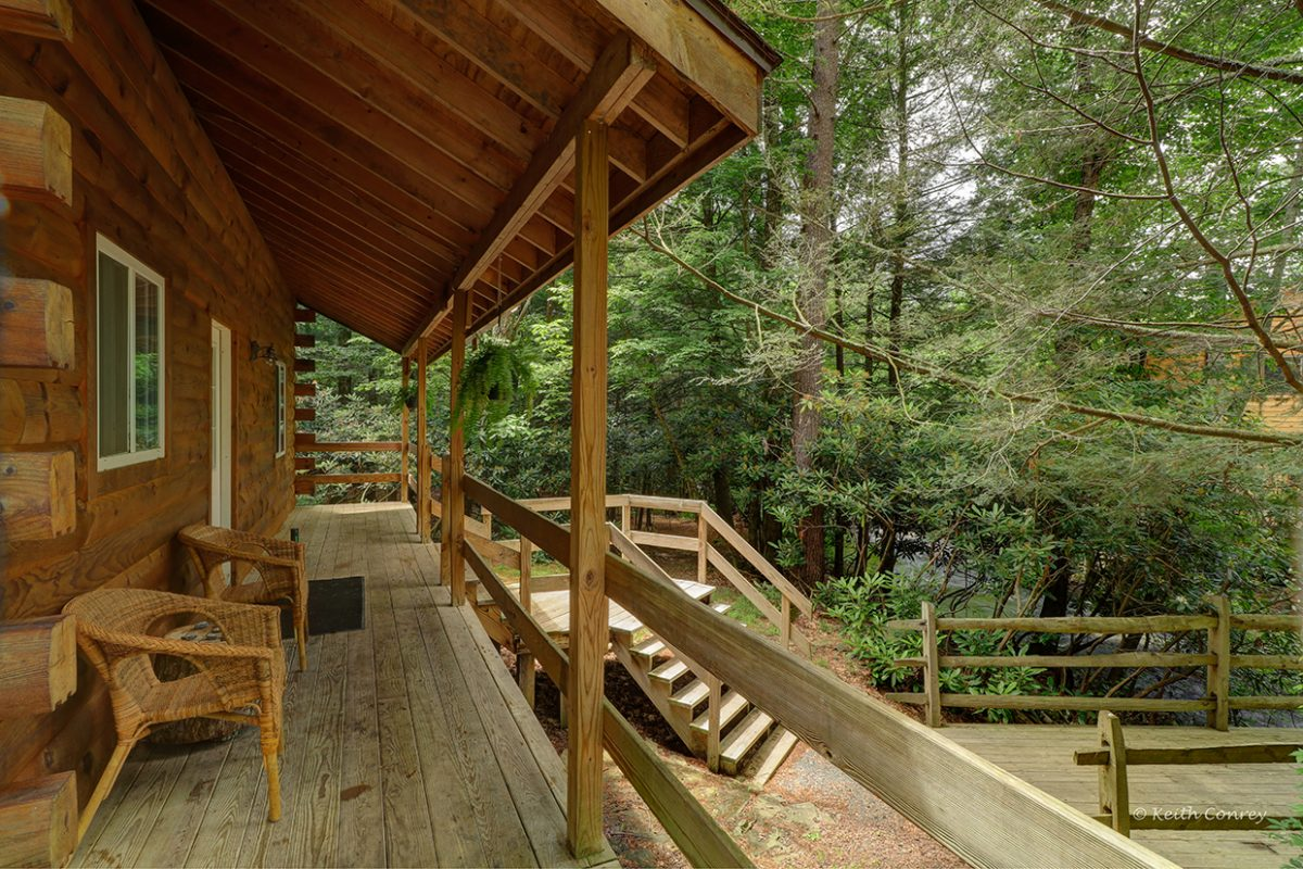 poconos cottages and cabin bandbmartinville in htm the magnolia streamside moss cabins