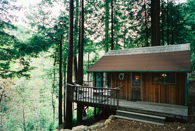 Luxury cabin tree houses in california glamping hub for Cabine big sur california