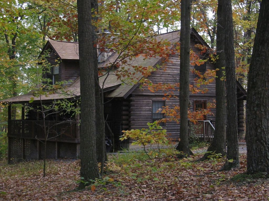 Log Home In The Woods ~ Cabin close to cunningham falls state park maryland