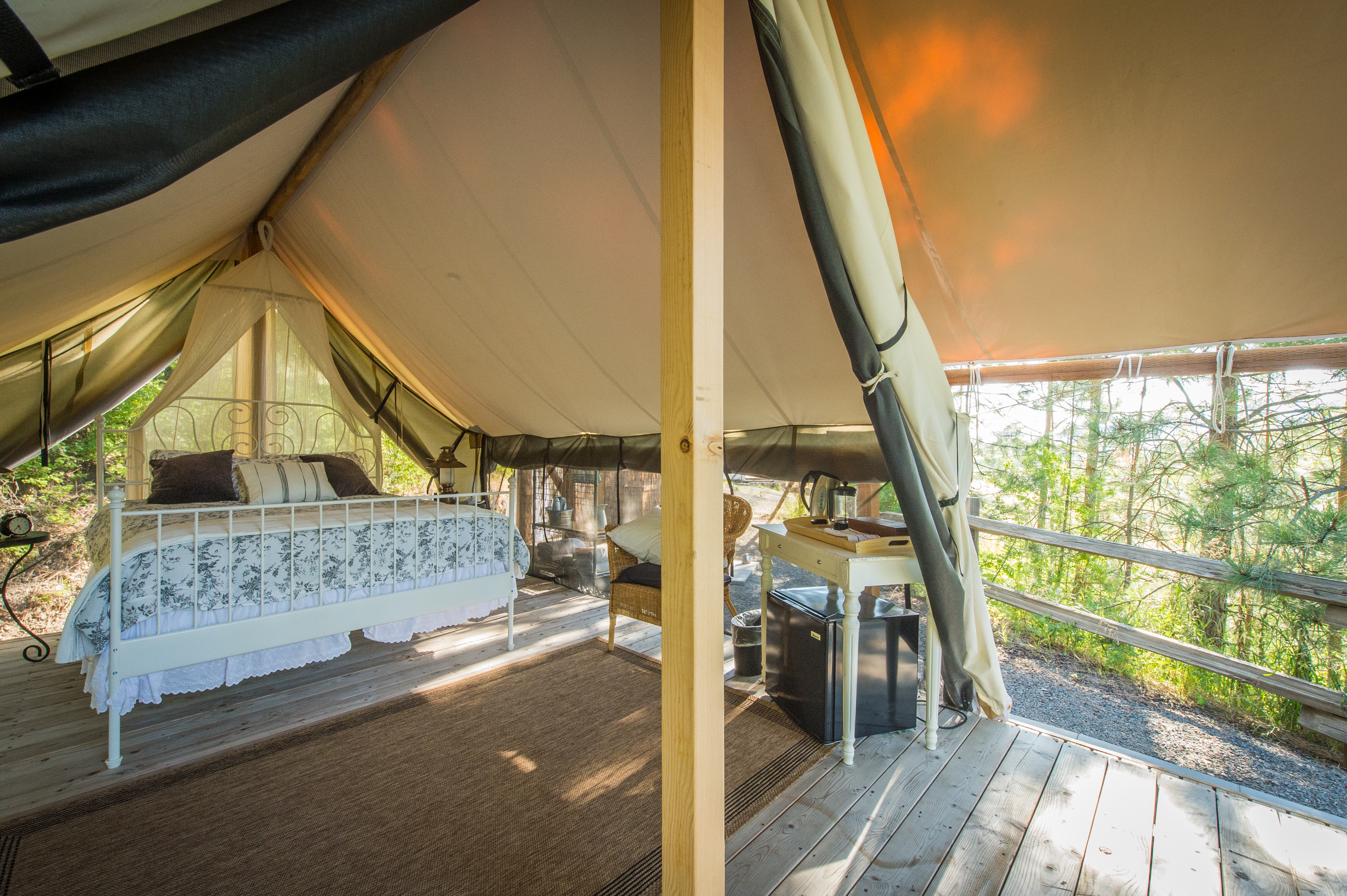& Luxury Secluded Safari Tents in Washington State