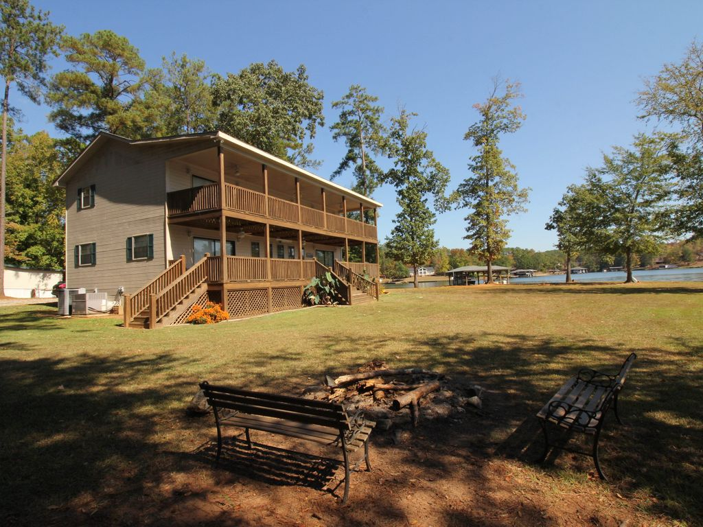 Cabin rental on lake sinclair georgia for Rental cabins in ga