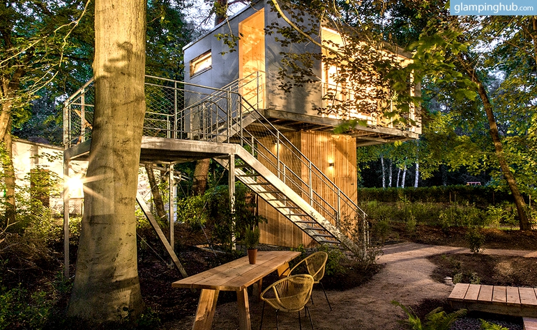tree house camping in berlin. Black Bedroom Furniture Sets. Home Design Ideas