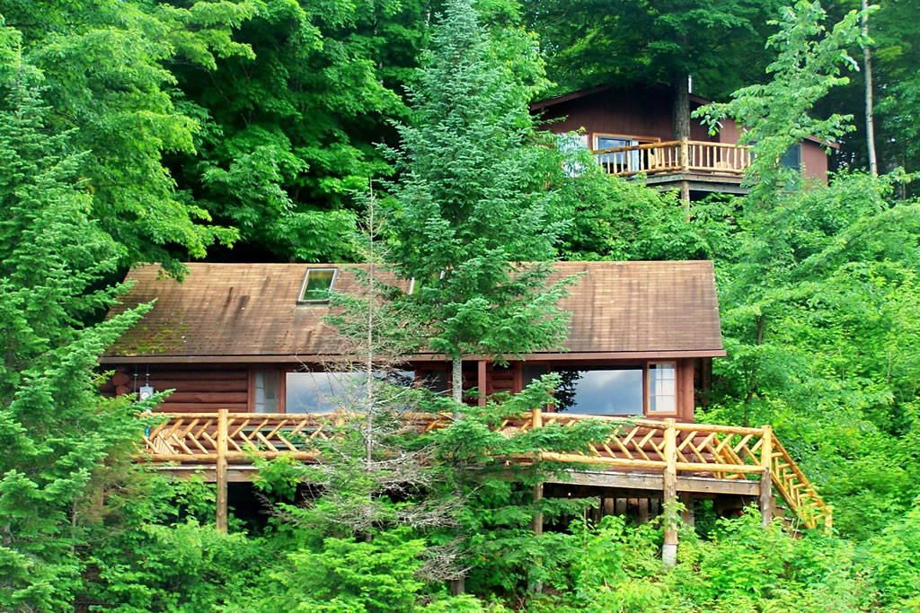 Log cabin rental near saratoga springs for Camps and cottages