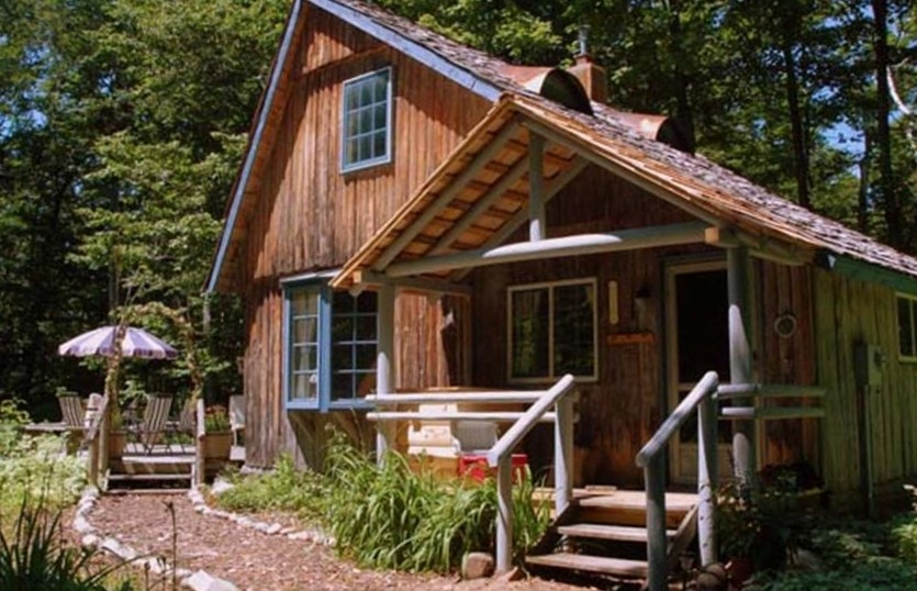 Log Home In The Woods ~ Secluded cabin rental near lake michigan