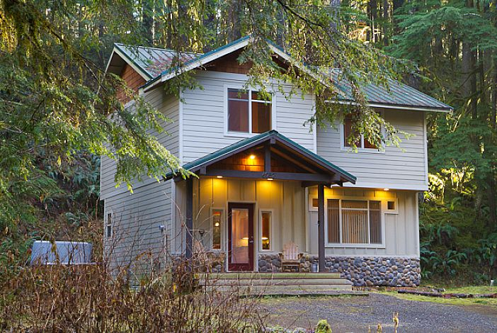 cabin rental with hot tub near mt baker ski area