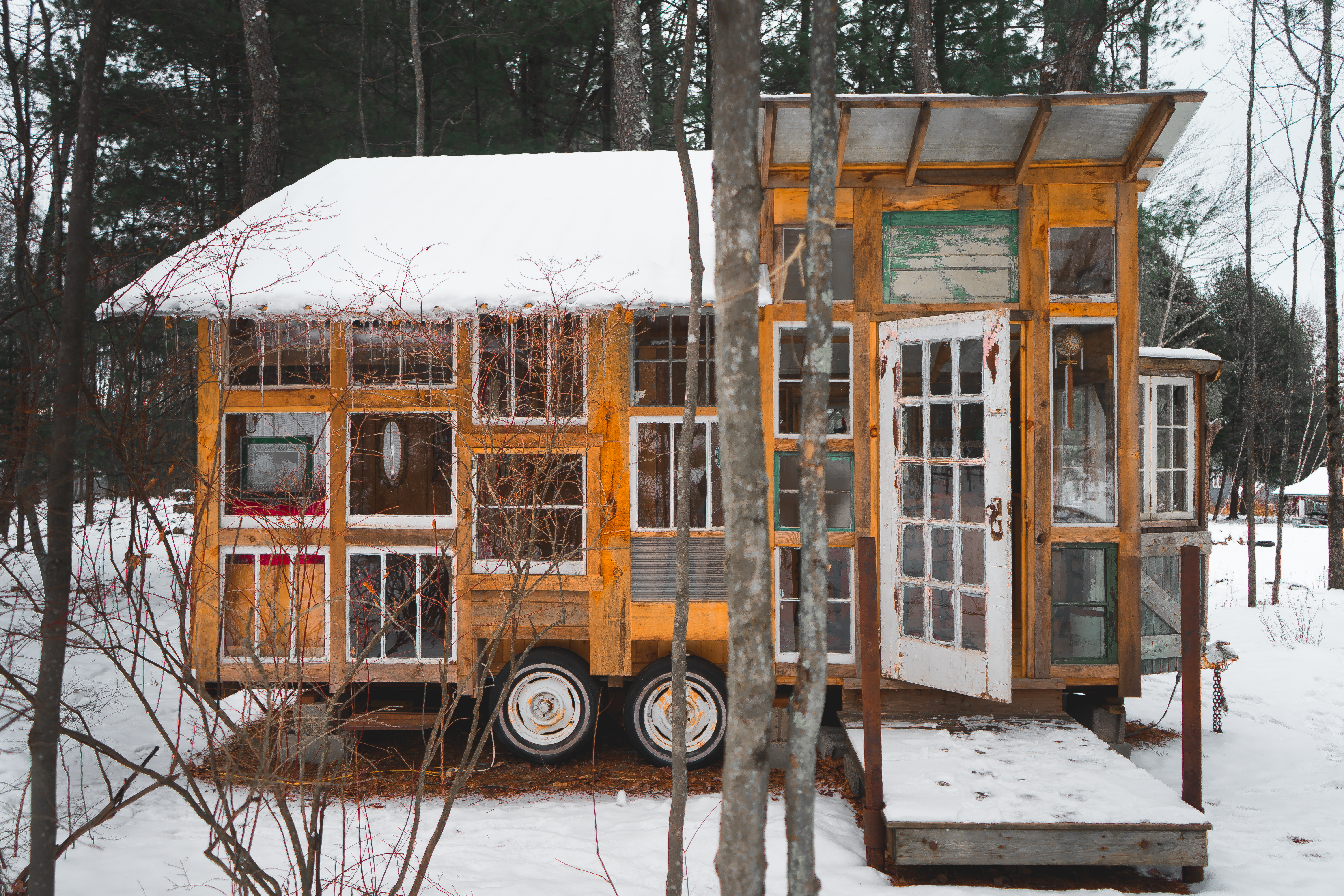 house dining ny upstate area cabin vacation small kitchen catskills bungalow cabins rent tiny rental weekend