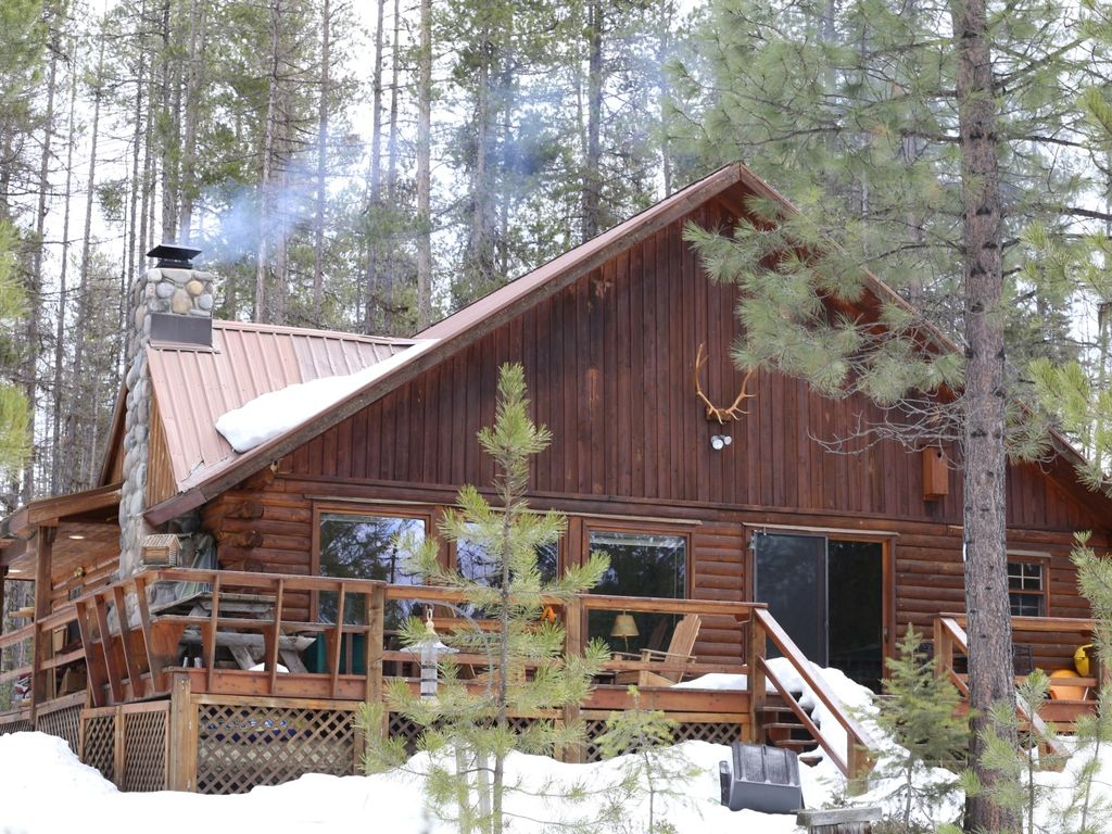 Log cabin in flathead national forest for Log cabin retreat