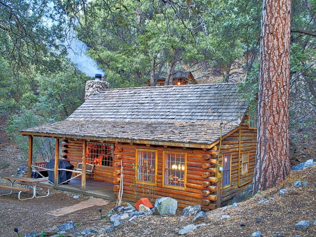 Secluded cabin near mount pinos california for Texas cabins in the woods