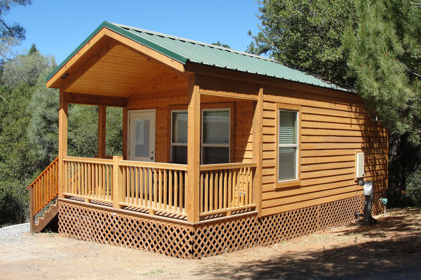 Log cabin rentals near yosemite national park for Yosemite national park cabin rentals
