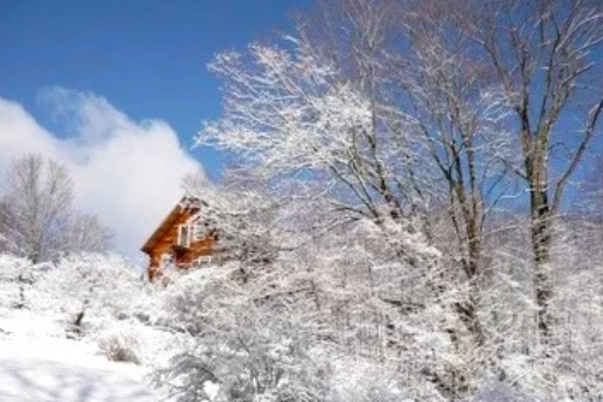 Christmas In Vermont 2021 Best Places To Go For Christmas 2021 Vermont Holiday Destinations