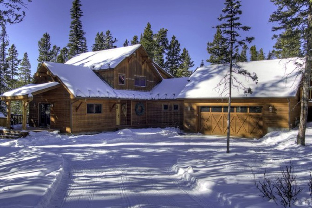 Best Ski Getaways for NYE in Montana
