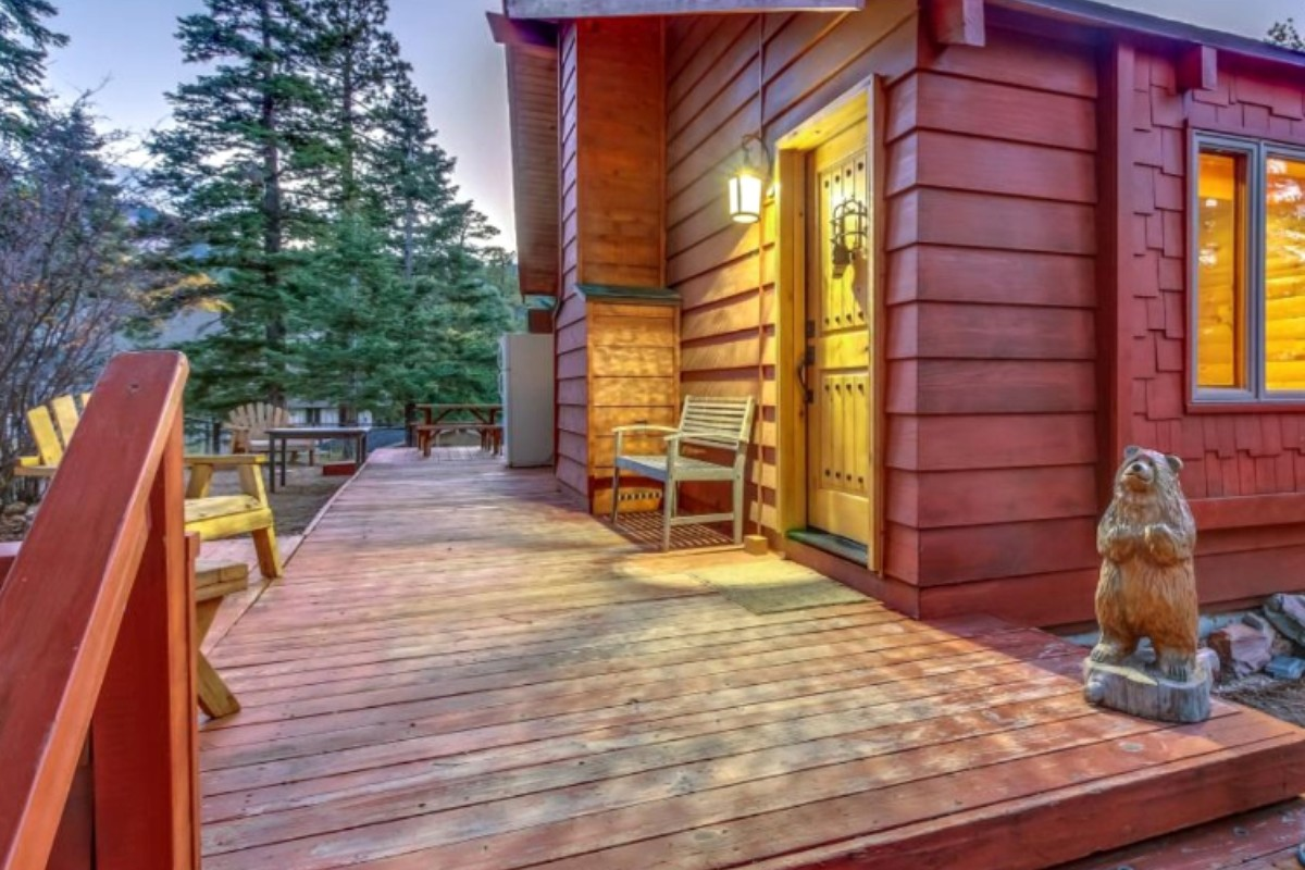 Cabins with Fireplaces near Los Angeles