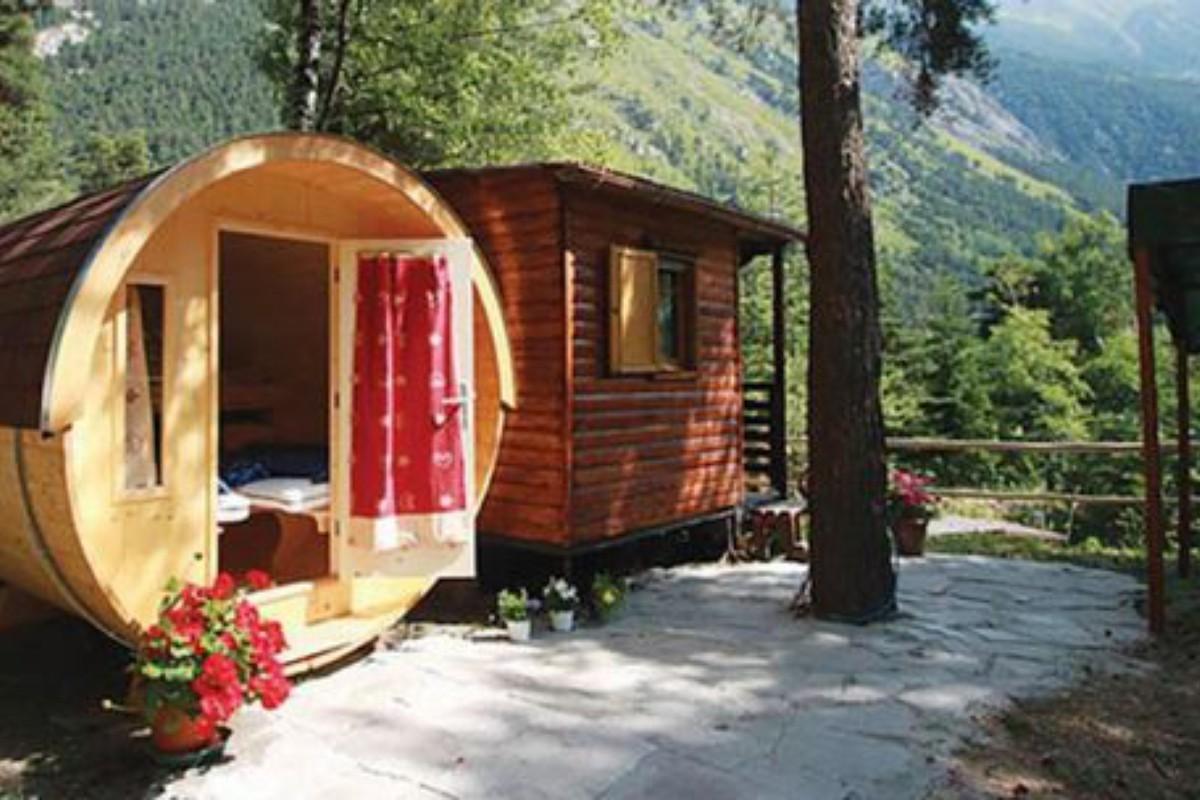 Weekend getaways in france for Cooper s cabin park city
