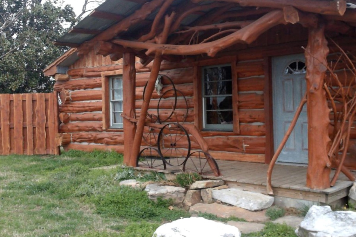 cabins with tubs near springs arkansas