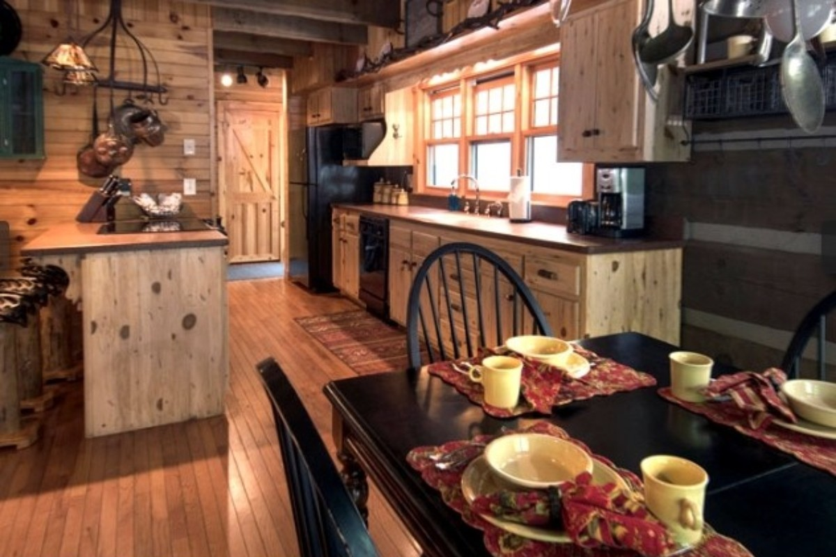 Camping Cabins near Cloudland Canyon State Park