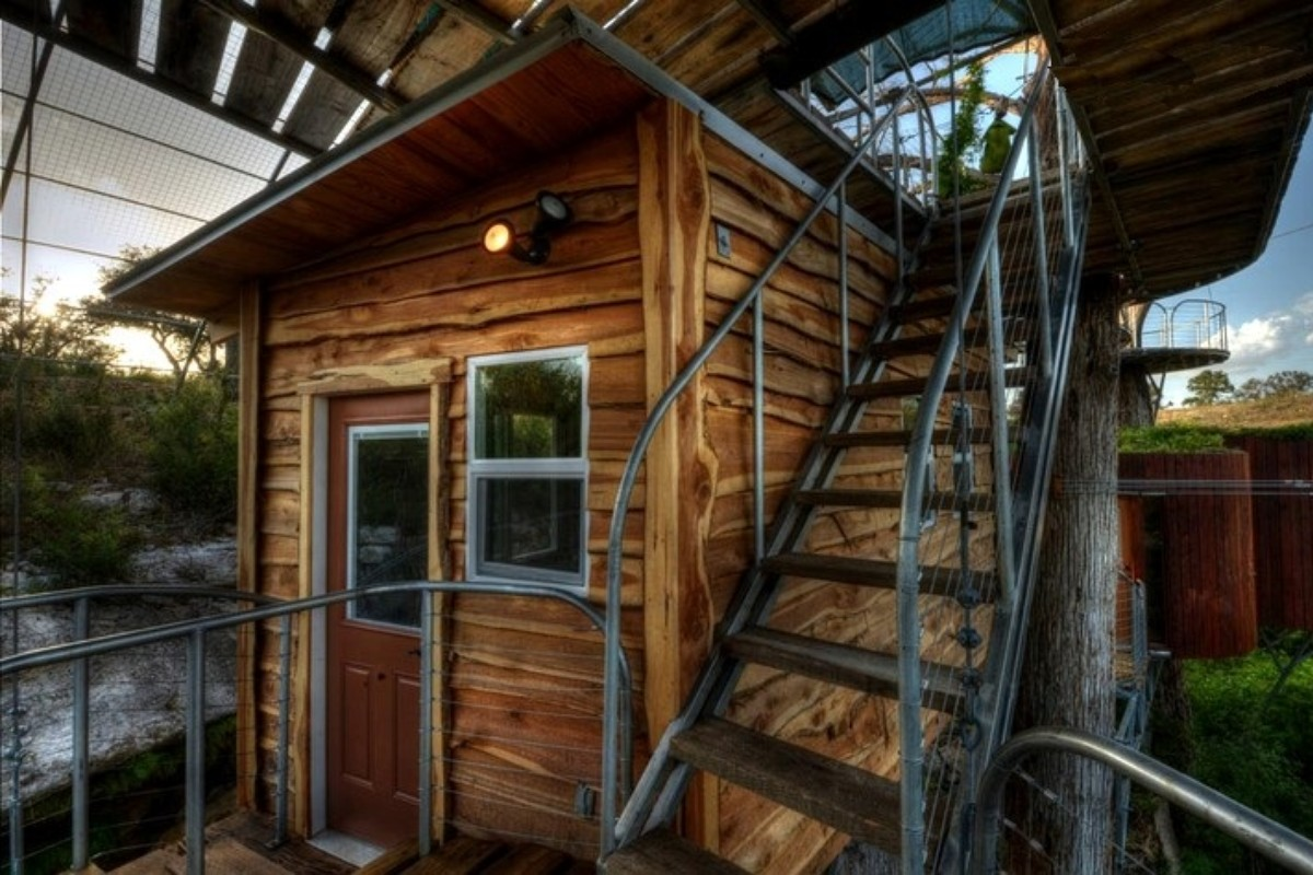 Cool Tree House Hotels near Austin