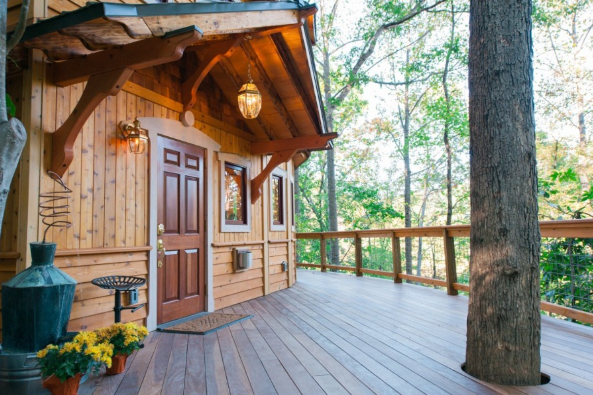 Great Smoky Mountains Tree House Cabins
