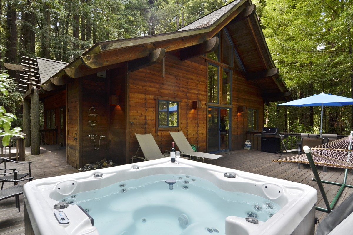 Hot Tub Cabins in Sonoma