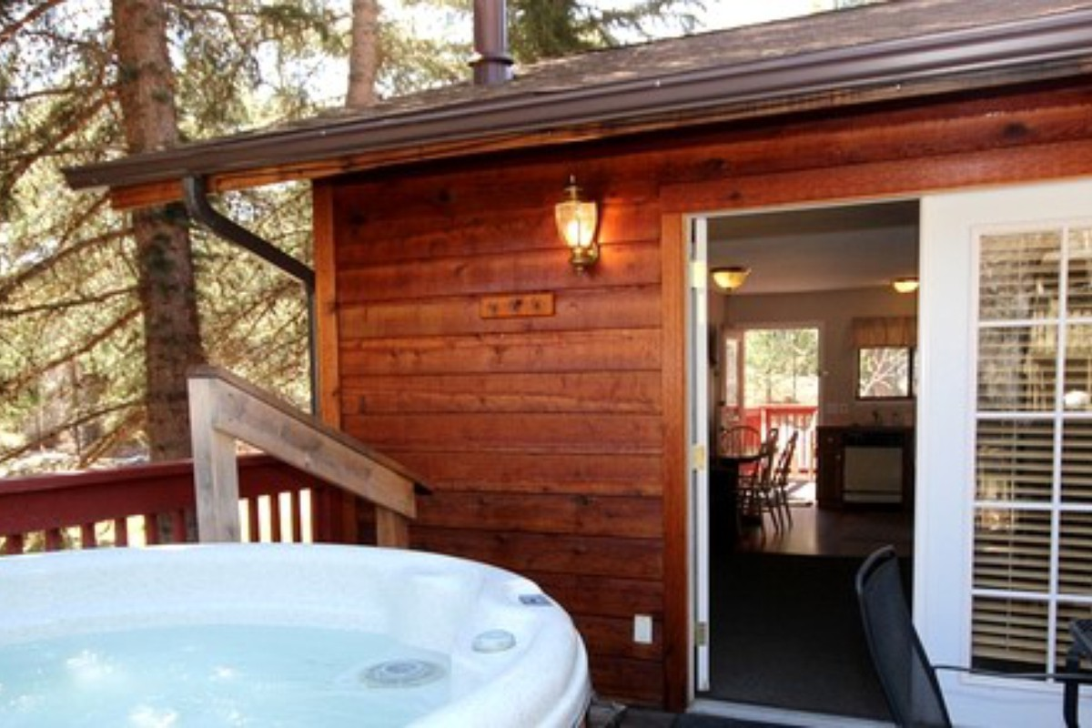 cabins springs hot all resorts dunton tub colorado best cabin with inclusive forge s tubs