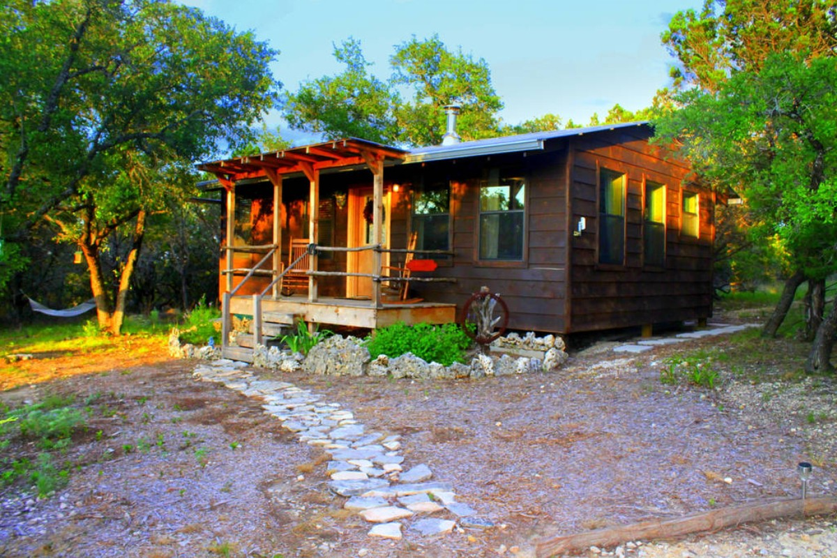 Luxury camping with hot tubs for Michigan romantic cabins
