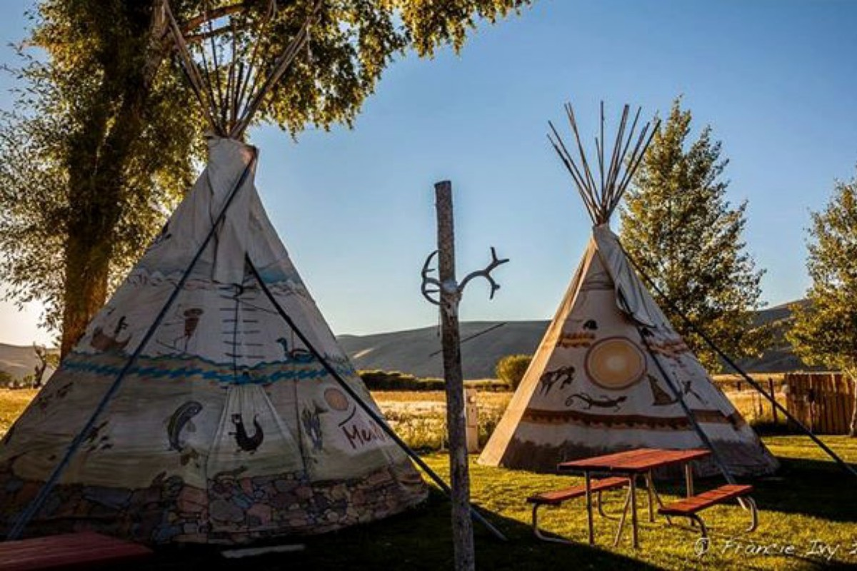 Luxury Tent and Tipi Camping near Colorado National Monument
