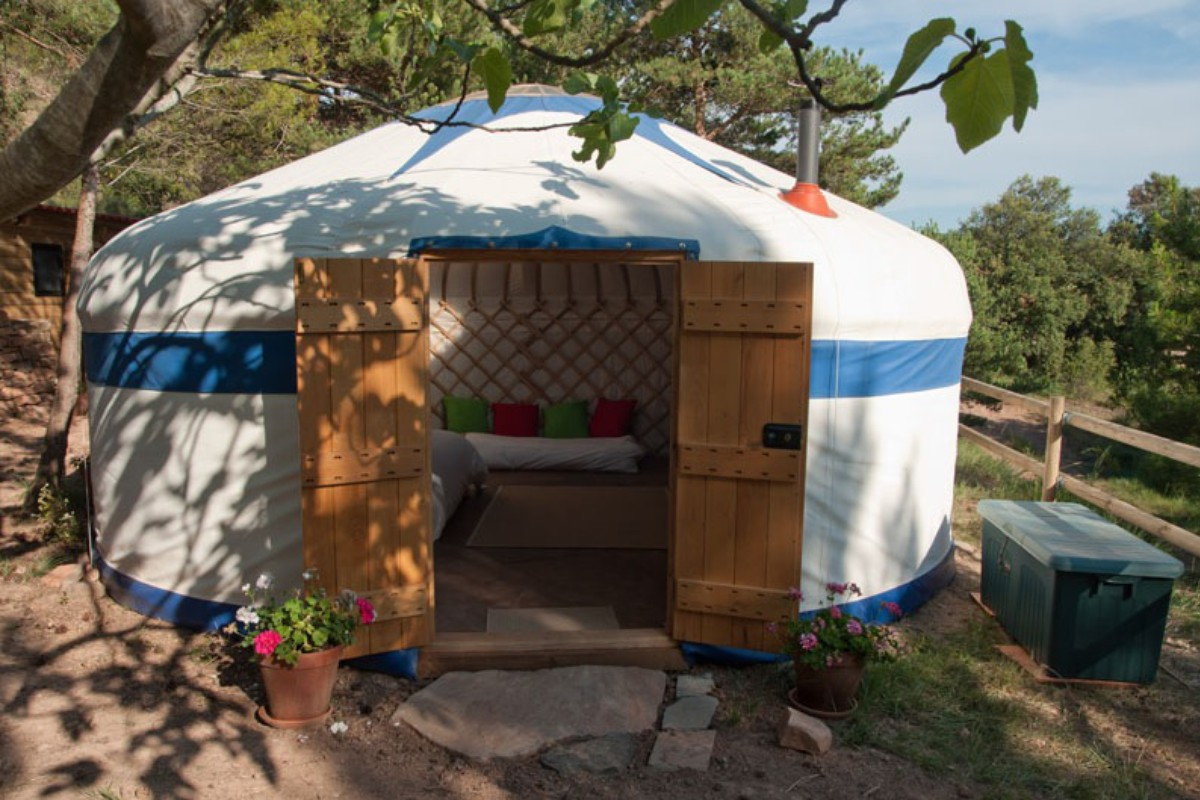 Luxury Yurt Rentals near Barcelona