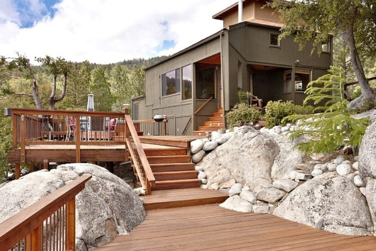 vrbo unique pet to porch and cabins charm pigeon friendly entrance cottage front deck in under quaint forge