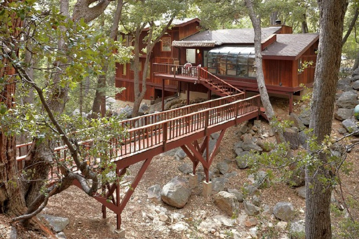 Pet-Friendly Cabins near Joshua Tree