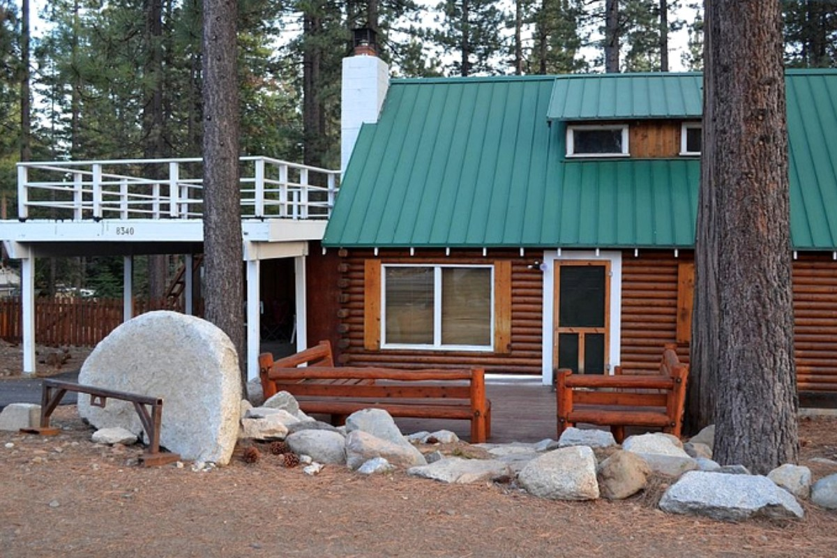 Pet-Friendly Cabins in Lake Tahoe