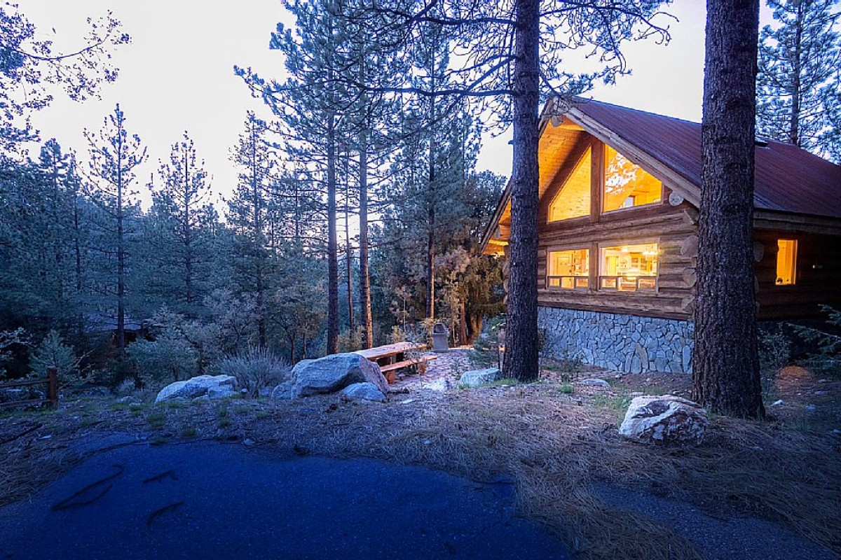 Pet friendly cabins in the u s for Cabins near los angeles
