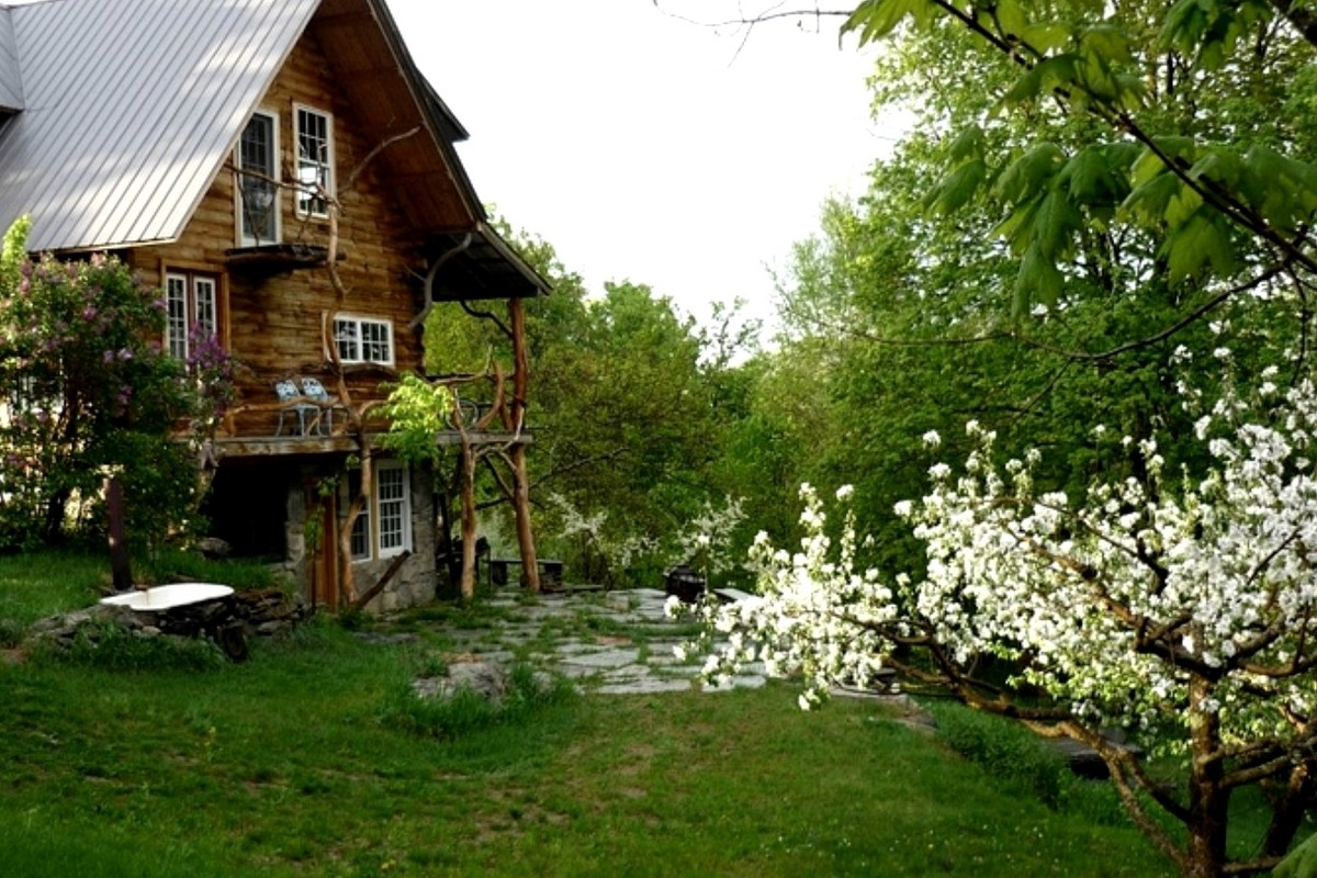 Pet-Friendly Glamping Cabins, New England