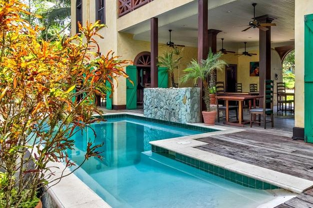 Pet-Friendly Rentals in Belize