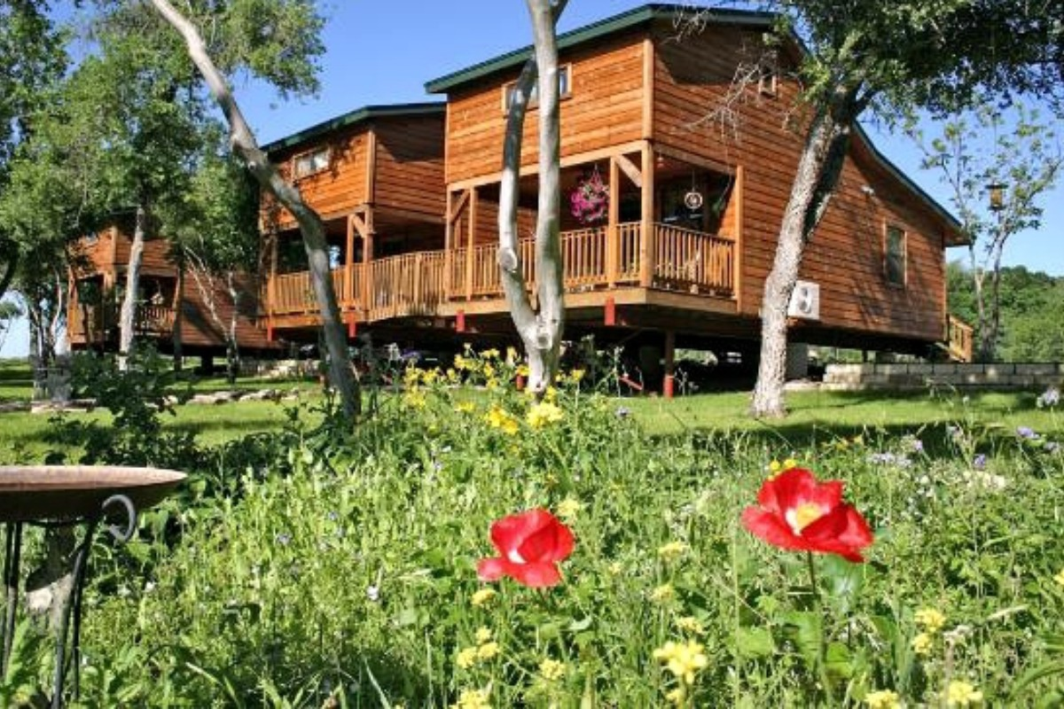 Romantic Cabin Getaways near Austin, Texas