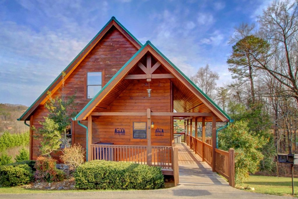 Cabins with fireplaces for Www cabins of the smoky mountains com