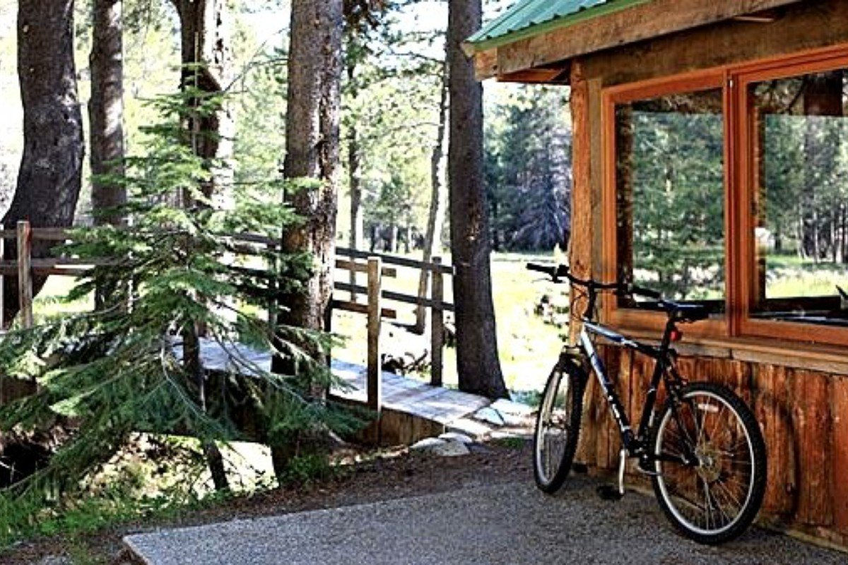 Secluded Camping Cabins near Yosemite National Park
