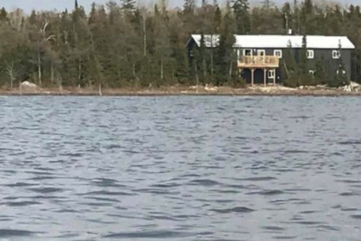 Secluded Cottages with Wi-Fi near Lake Huron