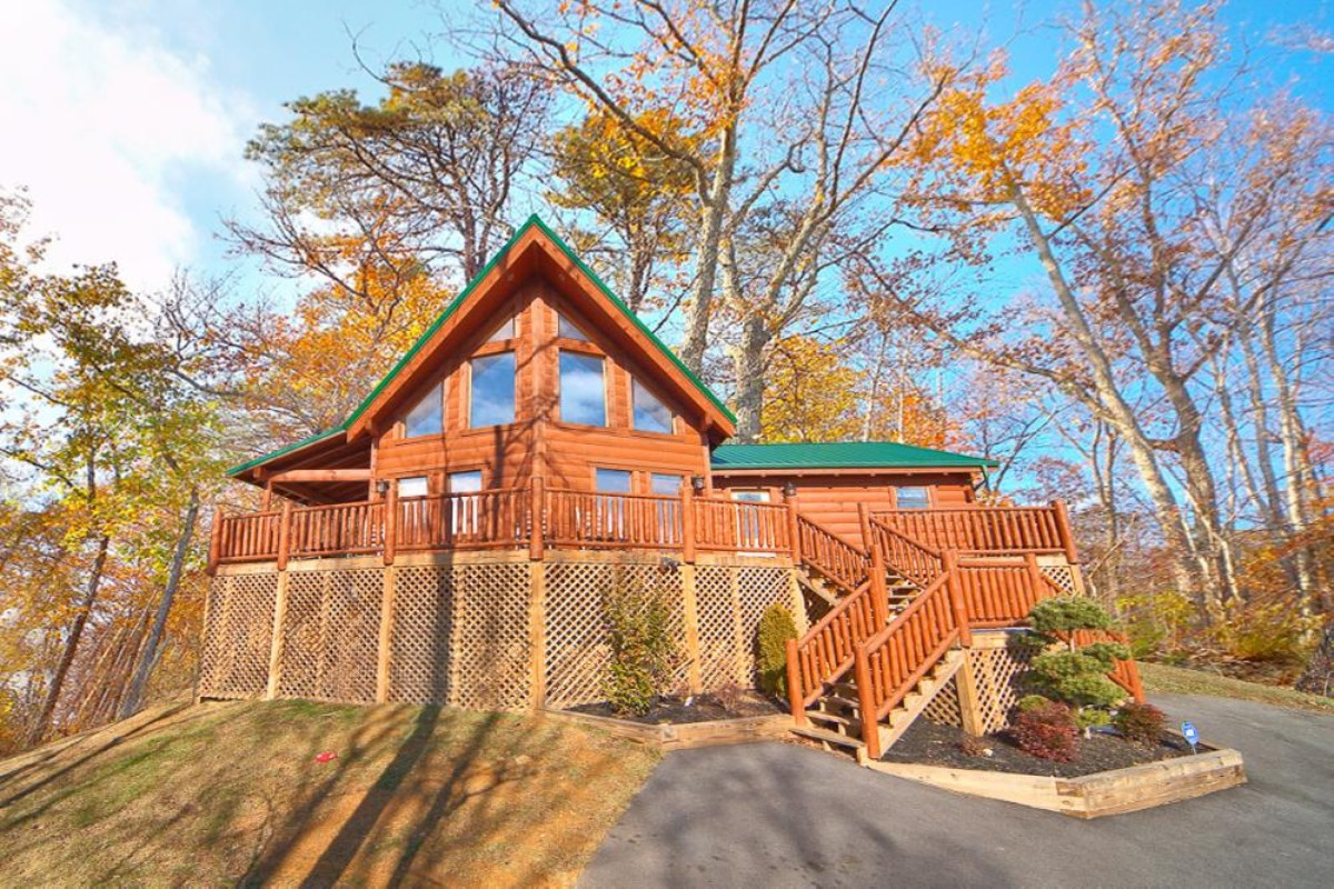 Weekend getaways in tennessee for Www cabins of the smoky mountains com