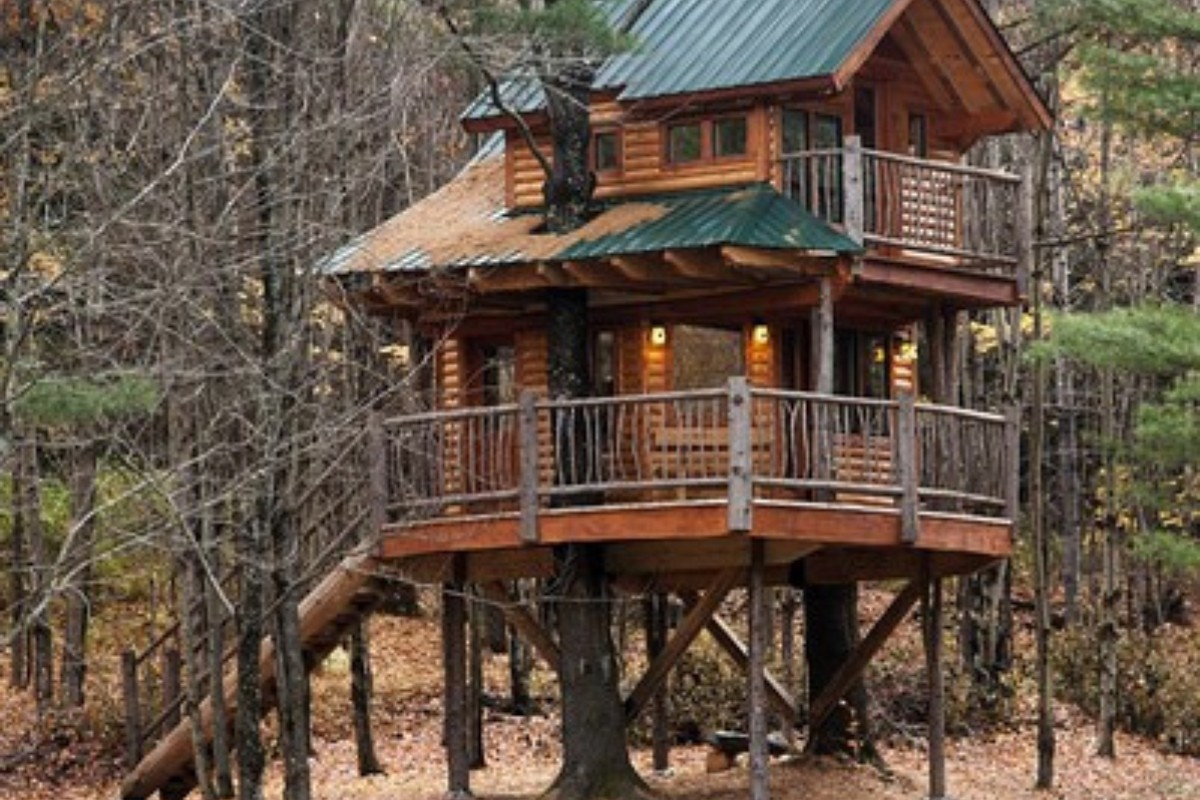 Stay in a Tree House in Vermont