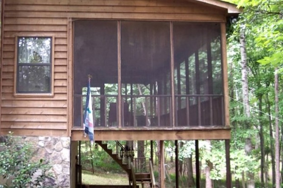 biltmore a springs the south rentals nc with look tub fireplace cabin romantic cabins treehouse reverse rafting asheville near carolina and estate hot getaway