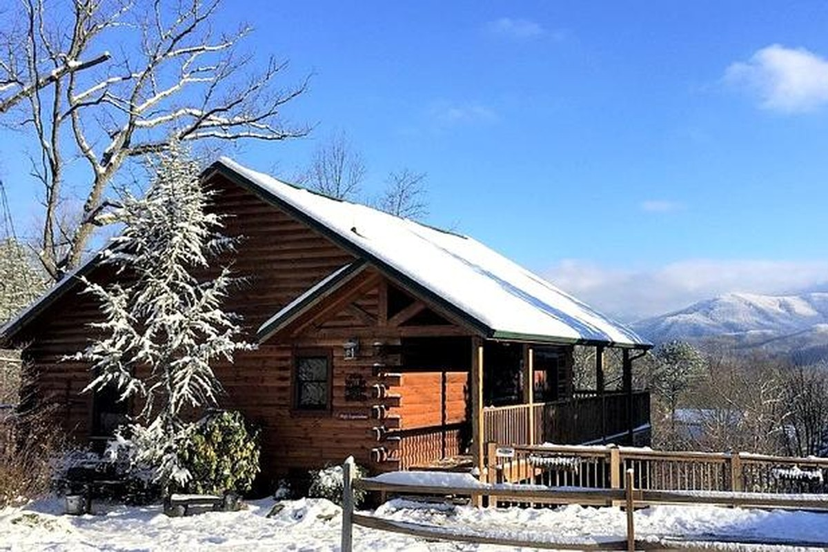 Winter Log Cabin Rentals in Gatlinburg