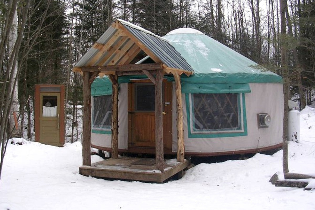 Yurt Getaways near Montreal